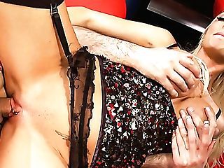 Horny Cabaret Dancer Antonia Deona Gets Her Raw Vulva Fucked Missionary