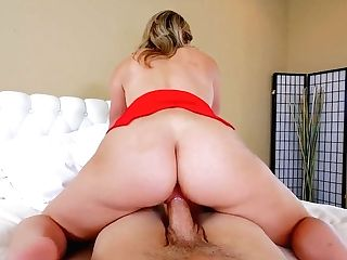 Legendary Point Of View Clip Featuring Hot Blooded Ash-blonde Mummy Cory Chase