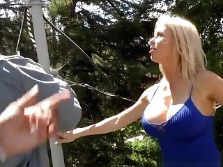 Cuckolding Mummy Gets Mouth Spermed By Bbcs