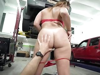 Booty Latina Mummy Fucks Mechanic
