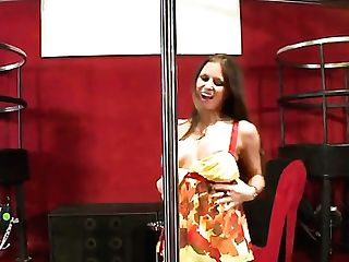 Rachel Roxxx Keeps Her Mouth Broad Open While Getting Jazzed On