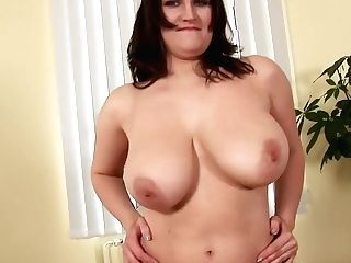 Chubby Buxomy Black-haired Olarita Making Herself Jism