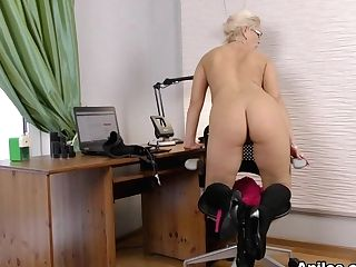 Luba Love In Curvy Big-titted Stunner - Anilos