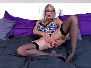 Canadian Mummy Velvet Skye Fucks Herself With A Faux-cock