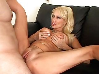 Hot Blonde Arousing Matures Natasha Skinski Fucks In Hard Way