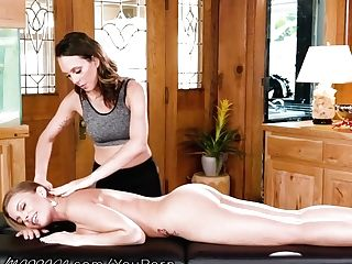 Allgirlmassage Britney Amber Cums Very First & Goes Down On Jade Nile