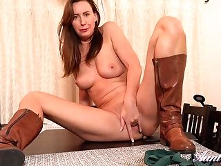 Brit Mistress Lara Spandex Masturbating On Table Top In Sexy Leather Boots