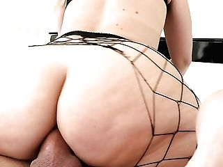 Supah Bootylicious Nymphomaniac In Fishnet Stuff Lisey Sweet Loves Hard Buttfuck
