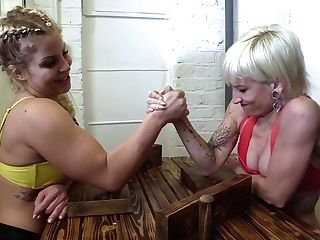 Dominance Grappling - Brutal Girly-girl Female Dominance With Muscled Stunners